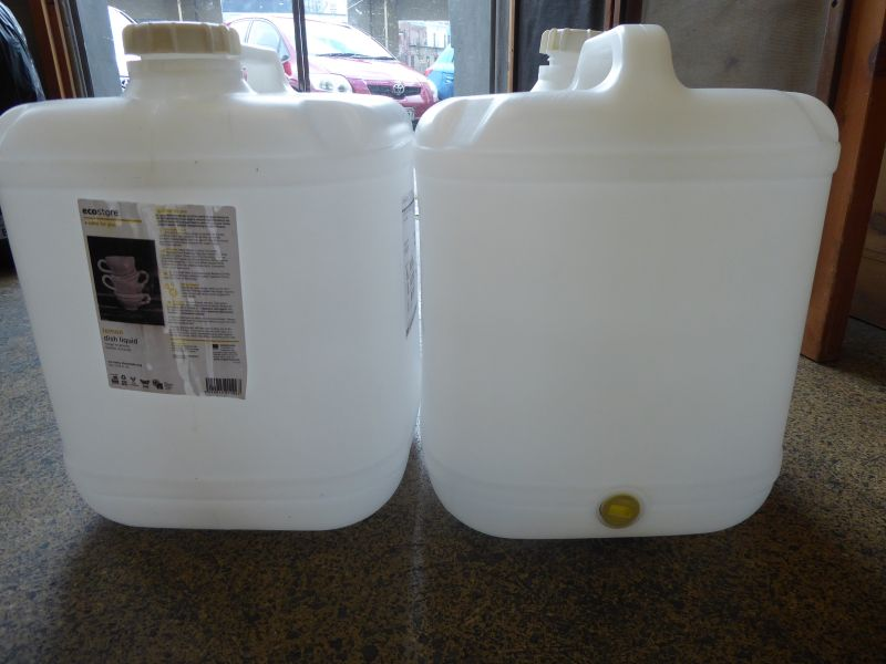 20 litre plastic containers